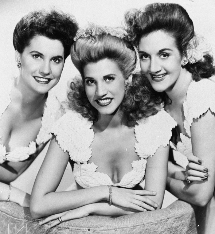 더 앤드루스 시스터스 (The Andrews Sisters) – I Can Dream, Can't I? 가사